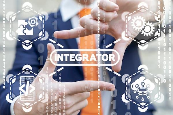 Zakenman toont API koppeling voor krachtige data integratie met Exact Online