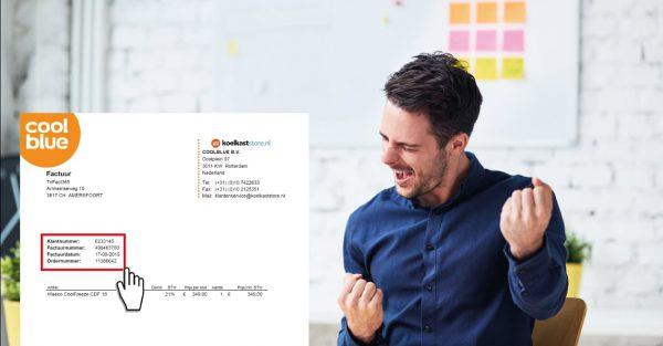Accountant die blij is met nieuwe Scan & Herken software functies van TriFact365 voor automatisch boekhouden